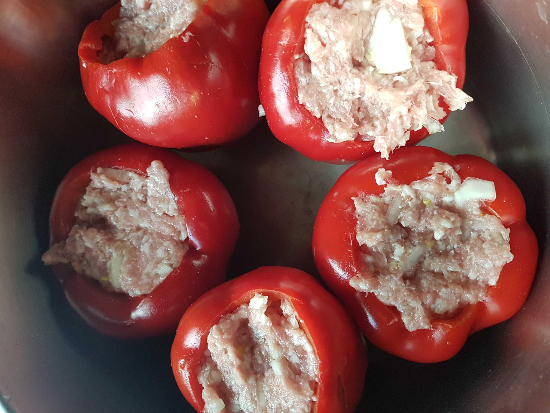 Ar maltu gaļu pildīti pipari